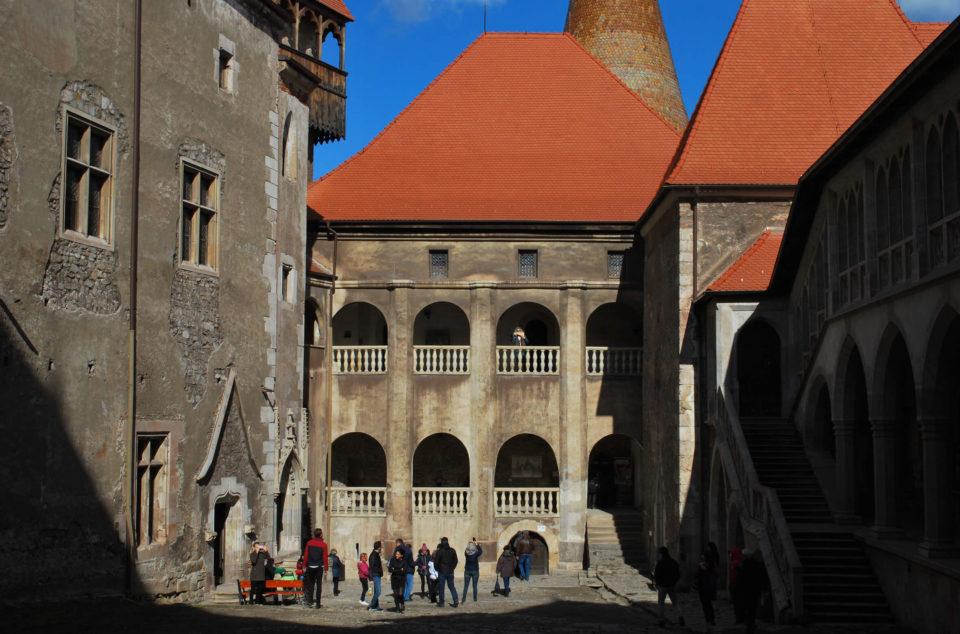 Innenhof Schloss Corvin