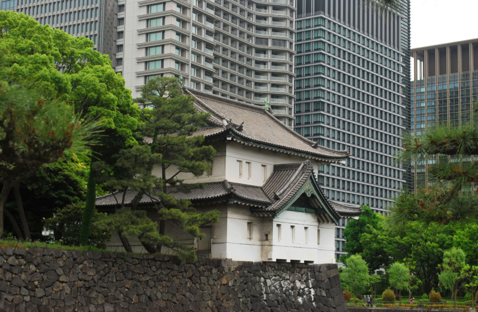 tokyo kaiserpalast gärten hochhäuser
