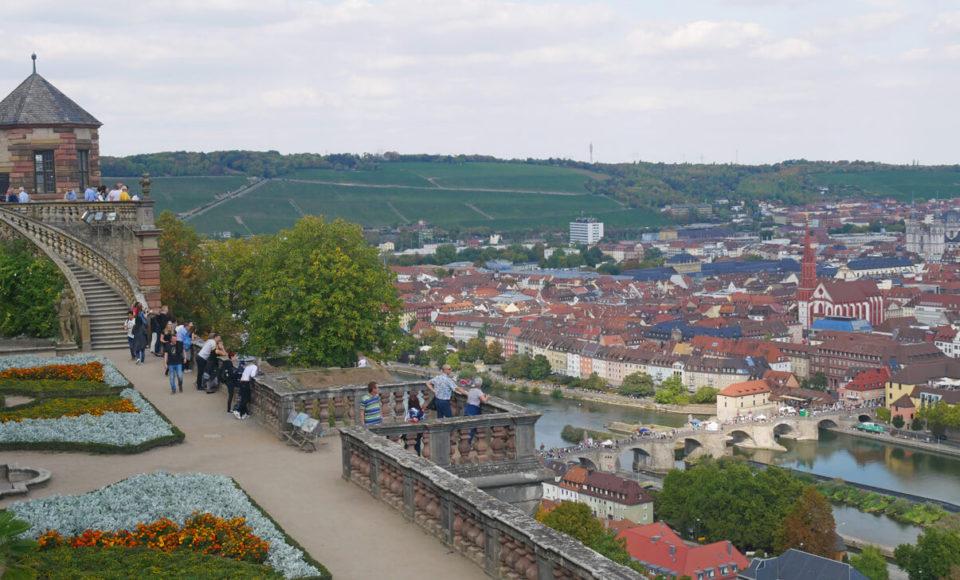 würzburg fürstengarten blick brücke
