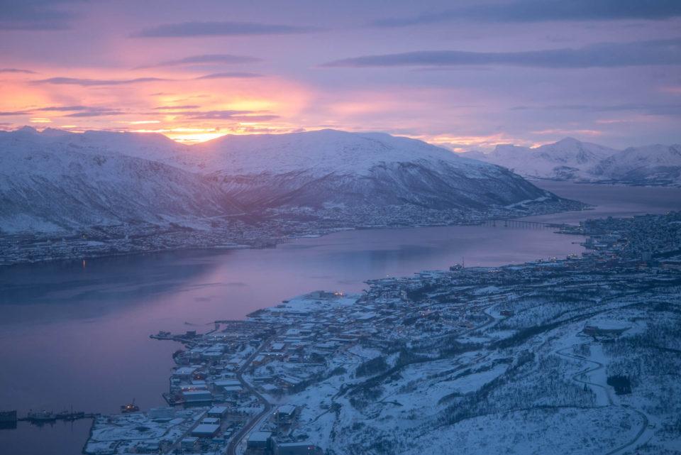 Tromsö Anflug Sonnenaufgang