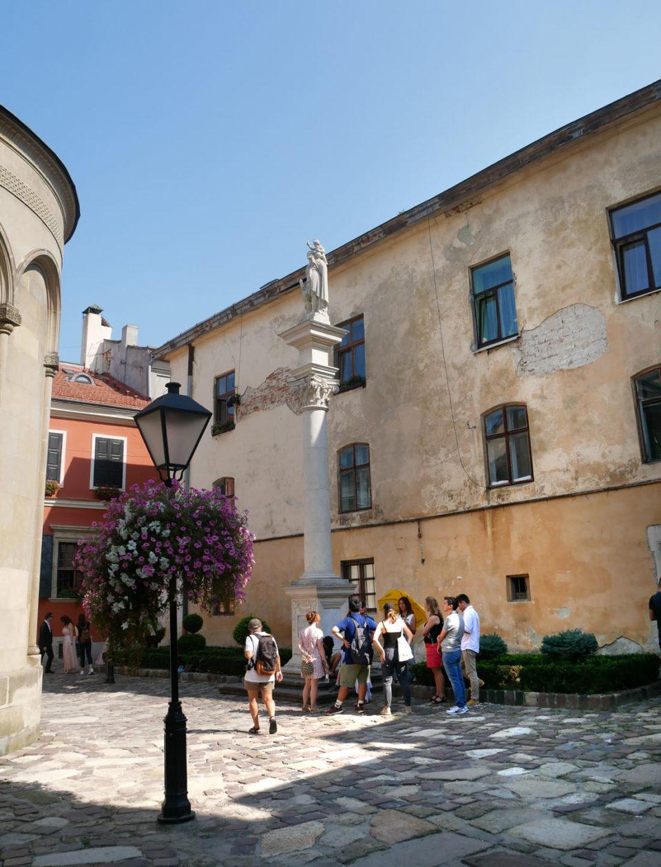 lwiw kloster innenhof